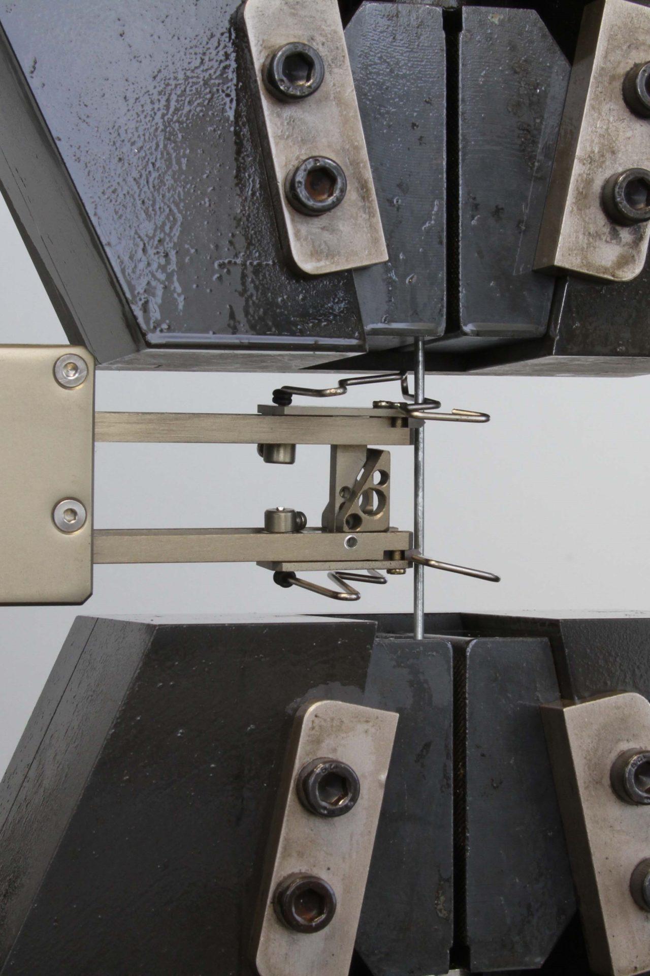 maquina de ensaio extensometro