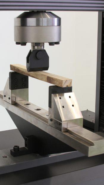 Dispositivos de flexão e dobramento DP351 (100 KN)