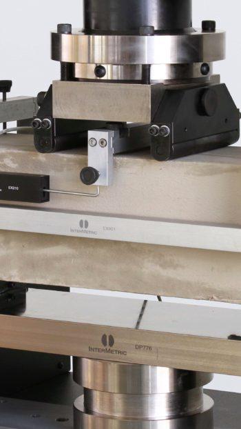 Yoke para deflectometro em ensaios de flexão EX901