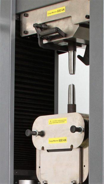 Garra autotravante pneumática por efeito cunha GR177 (1.000 KN)