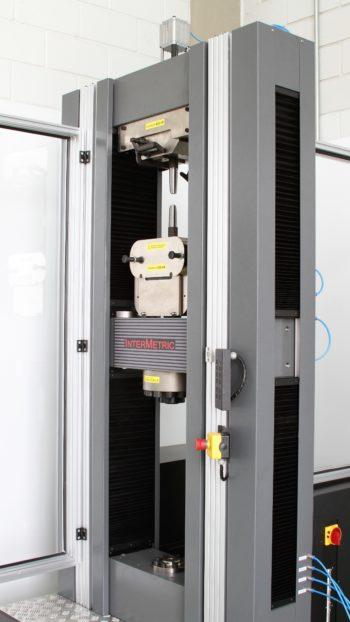 Maquina Universal Ensaios Eletromecânica iM600 (600 KN)